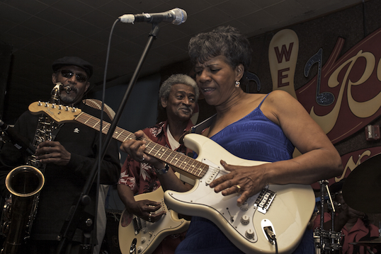 Still from I AM THE BLUES - Barbara Lynn. Photo by Gene Tomko